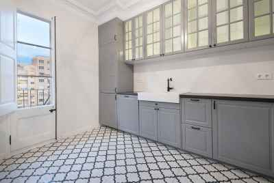 Bright renovated apartment in the central district of Barcelona